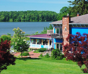 Whispering Pines Bed and Breakfast, Dellroy, Ohio
