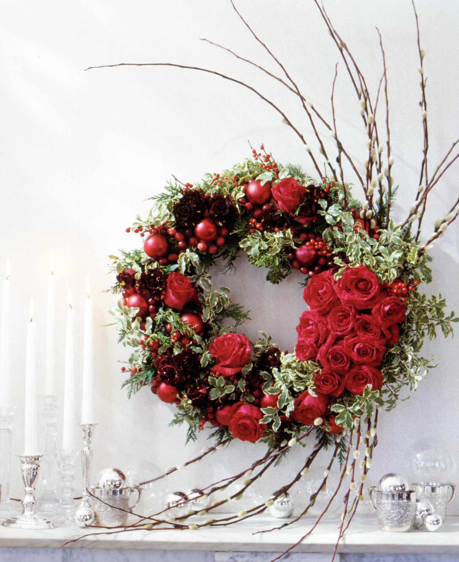Holiday rose wreath