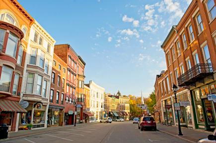 Galena, Illinois: 163 miles west of Chicago