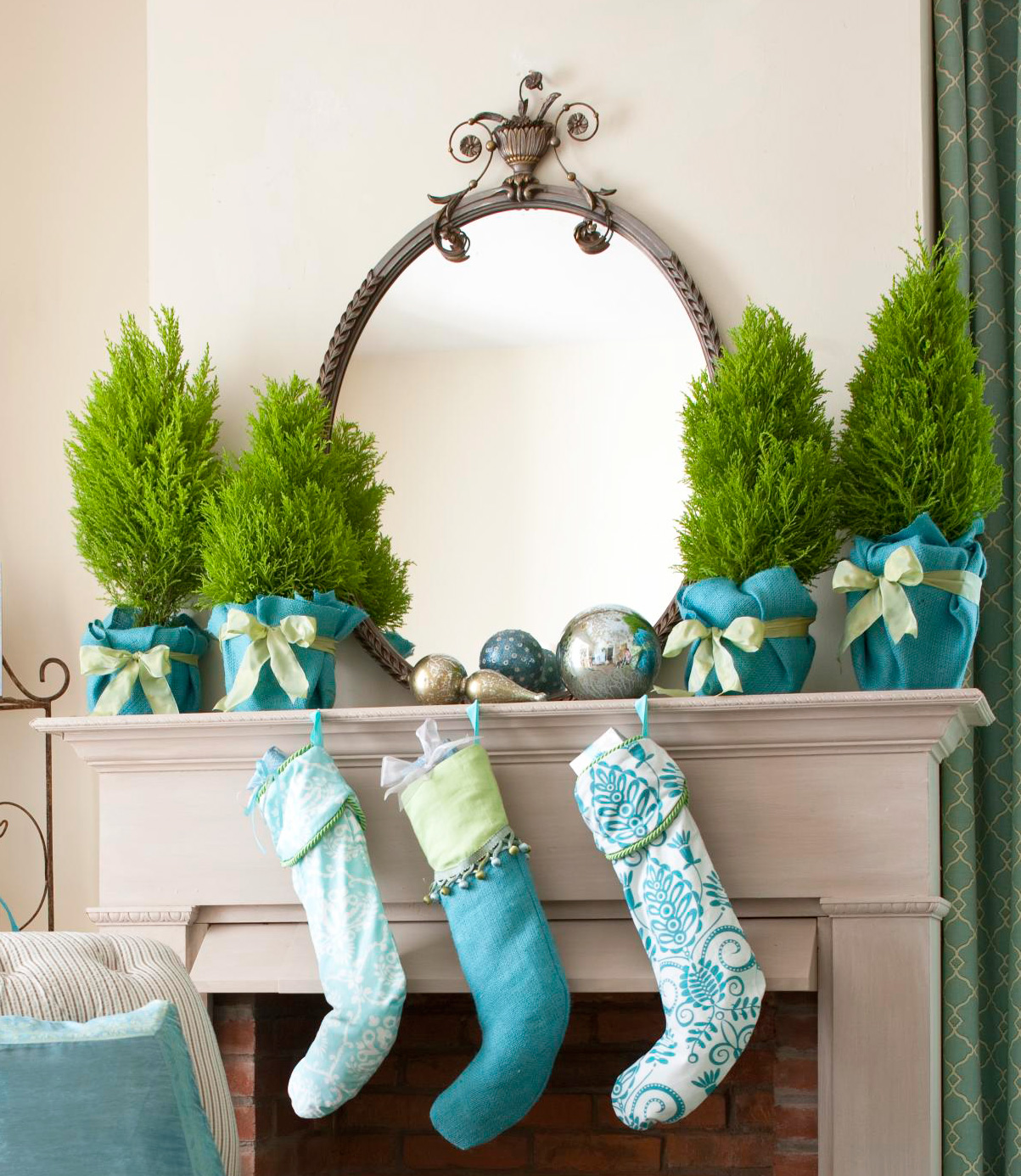 Green-and-blue mantel