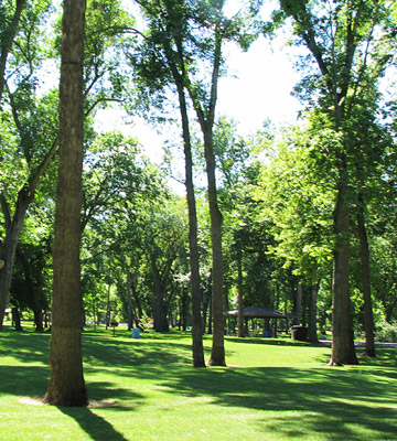 Things to Do in Fargo--Lindenwood Park