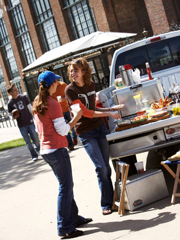 Tailgate Toting Tips