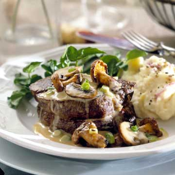 Steaks in Brandy-Cream Sauce