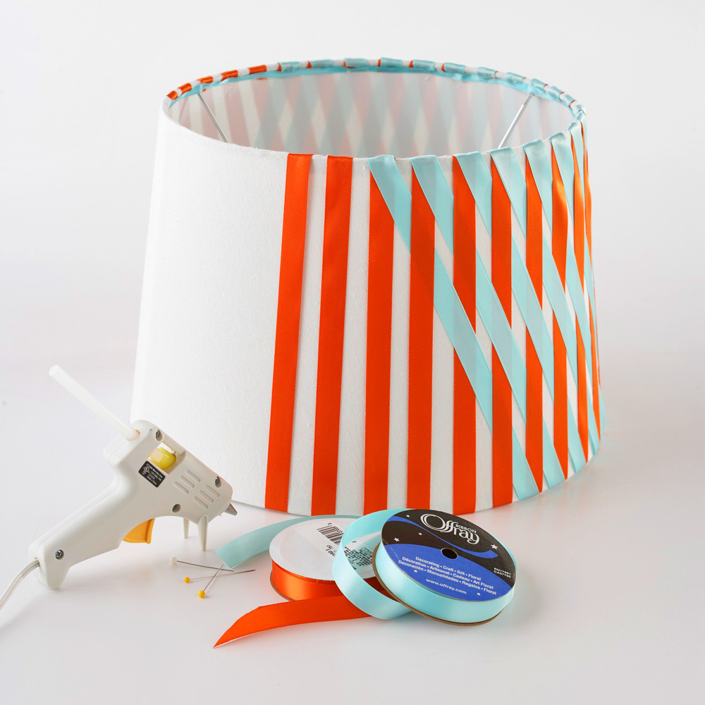 No-sew ribbon lampshade
