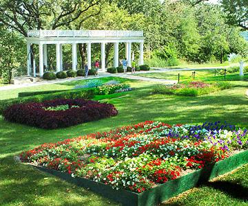 Love at Mount Vernon Gardens