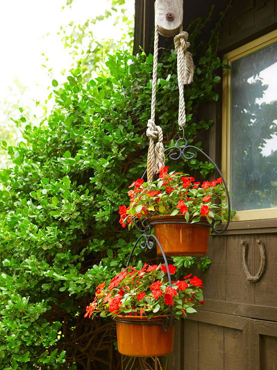 Garden tour: Slow-cooker flower containers
