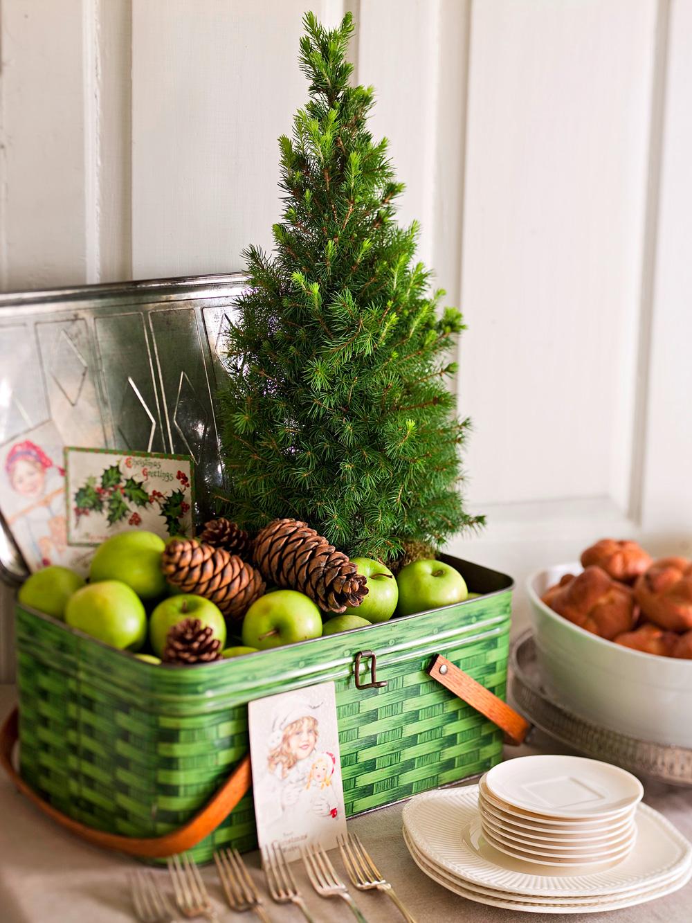 Tree basket decoration