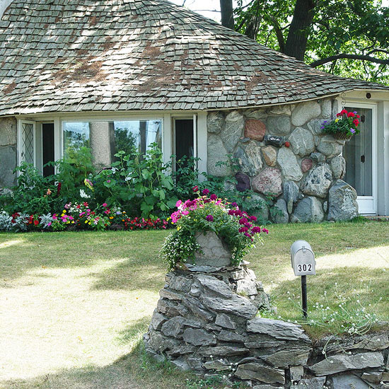 Charlevoix spotlight: Hobbit houses