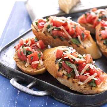 Bruschetta with Tomato-Basil Topping