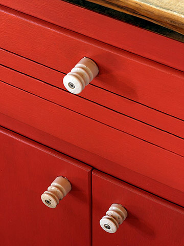 Rescued knobs -- and cabinets