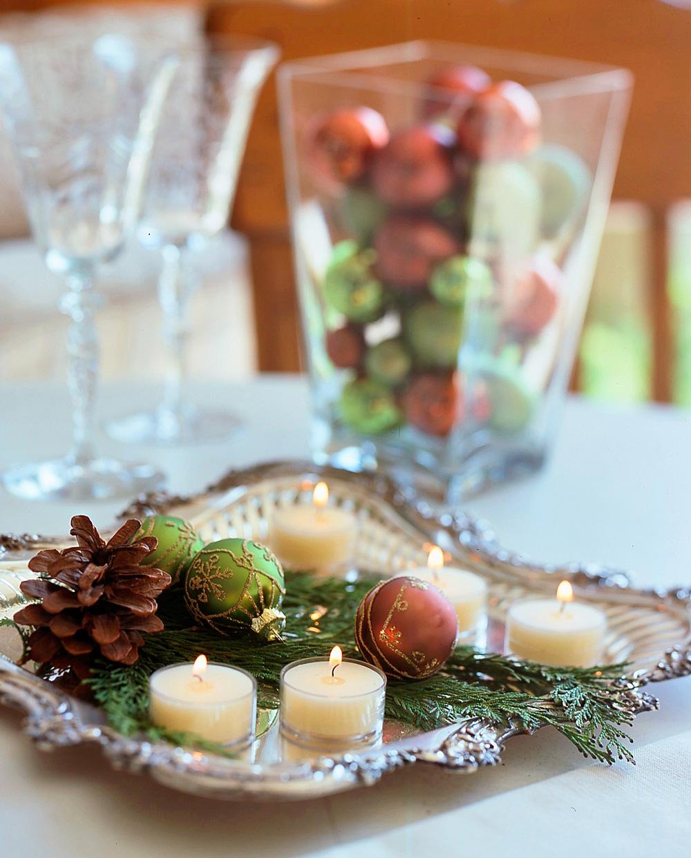 Christmas centerpiece ideas: ornaments on a tray