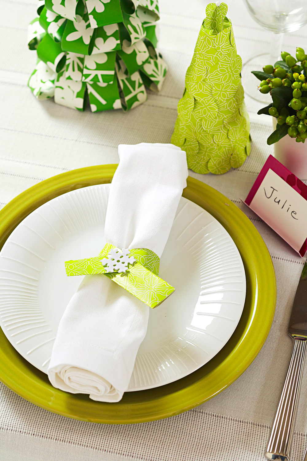 Wrapping paper accents