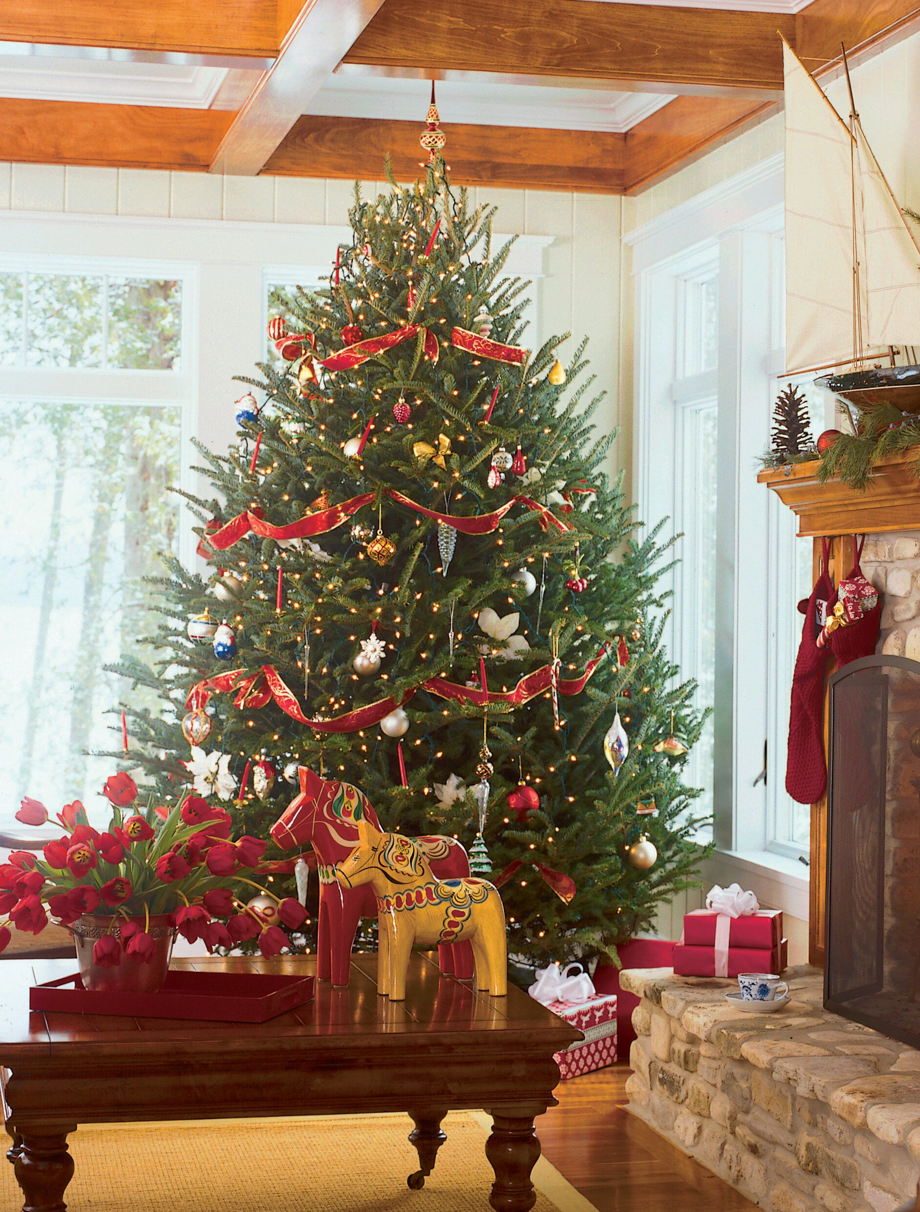 Christmas Tree Decorations Ideas.Christmas Tree Decorating Ideas Midwest Living