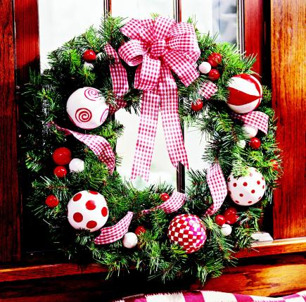 Decorate a wreath
