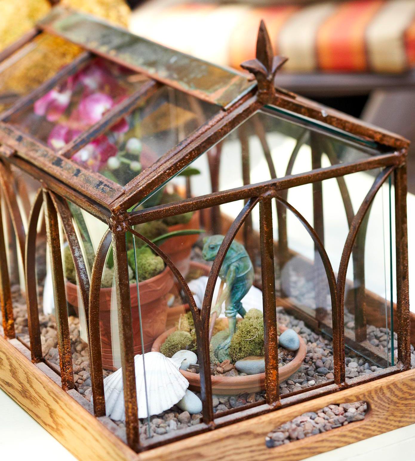 Playful terrarium