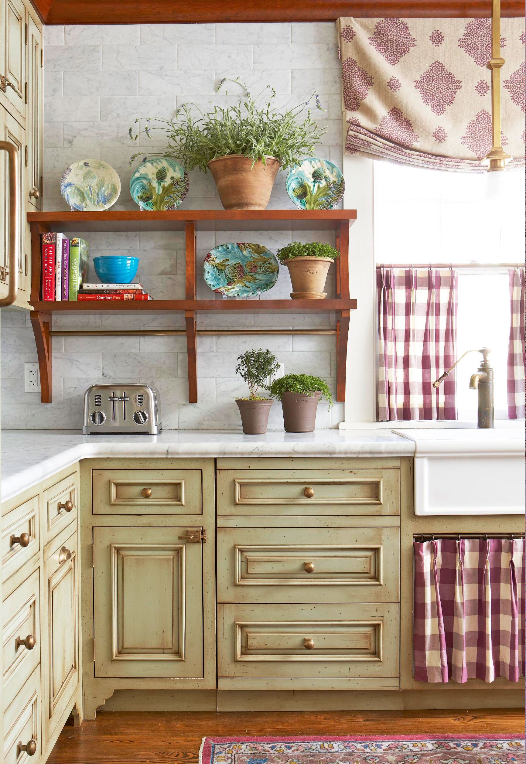 9 Ideas for Kitchen Cabinet Makeovers   Midwest Living