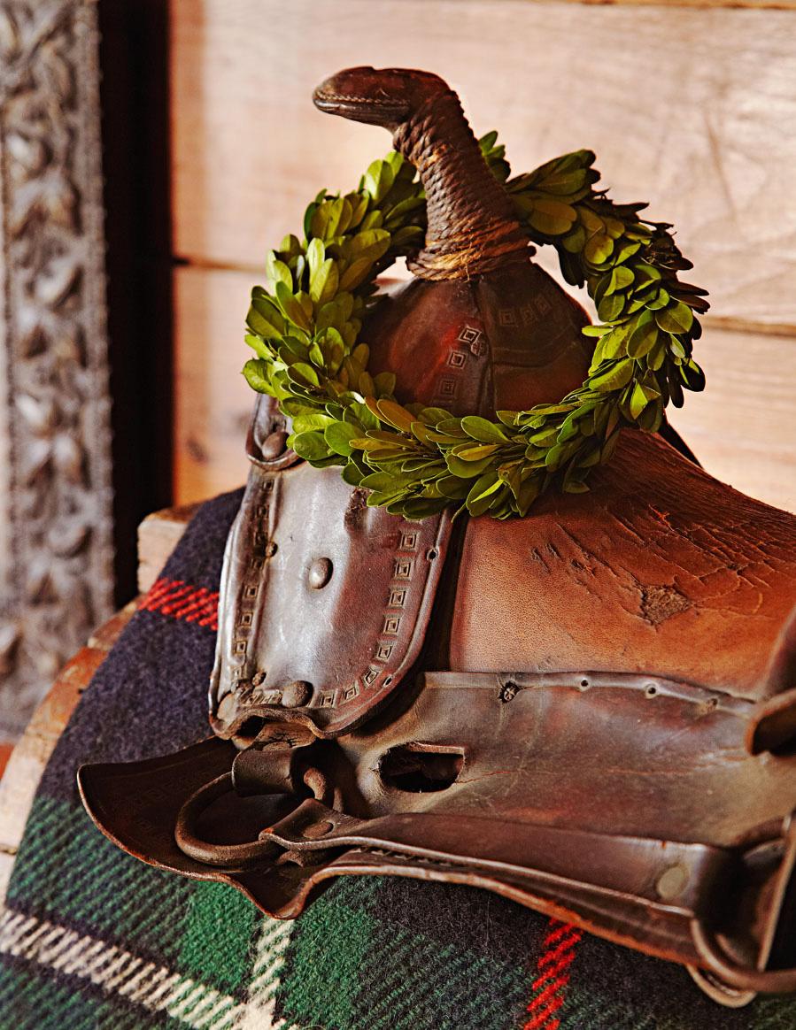 Dressed-up saddle
