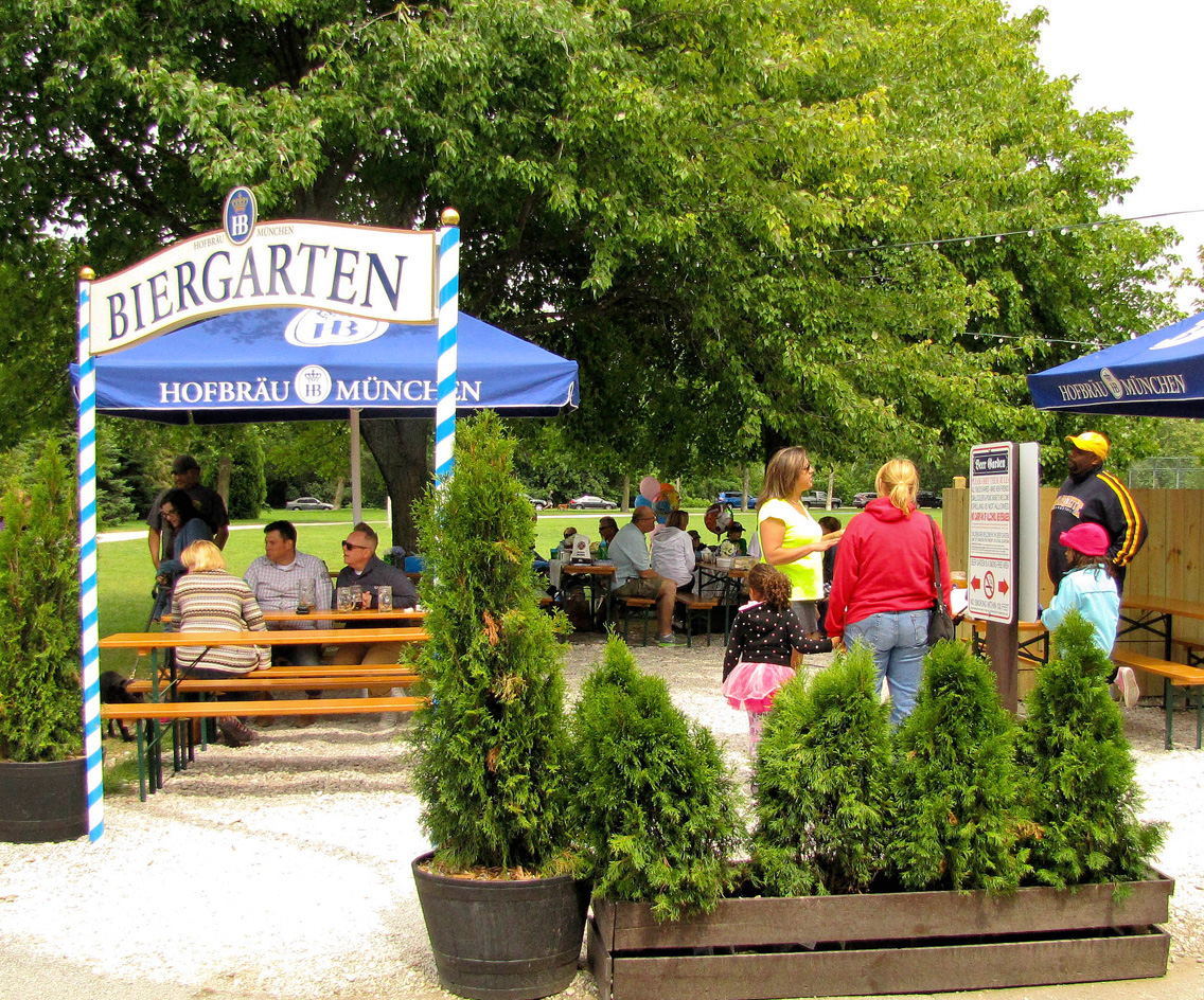 Milwaukee: Estabrook Beer Garden