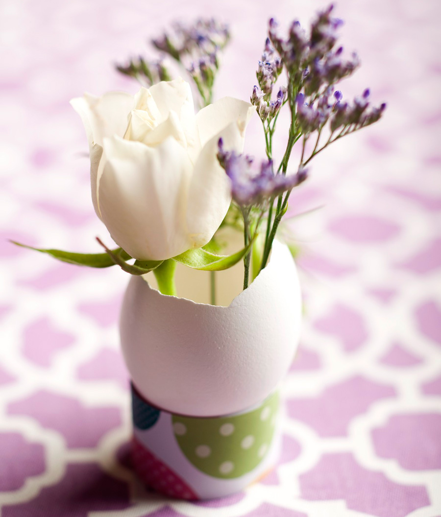 Tiny bouquet Easter egg