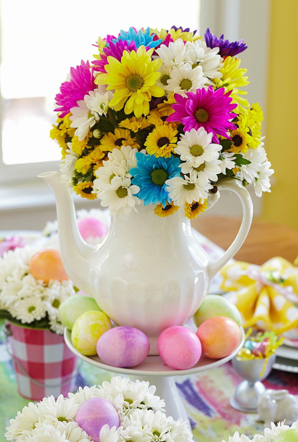 Teapot Easter centerpiece