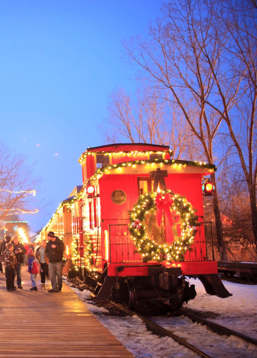 Christmas at Crossroads Holiday Magic, Flint