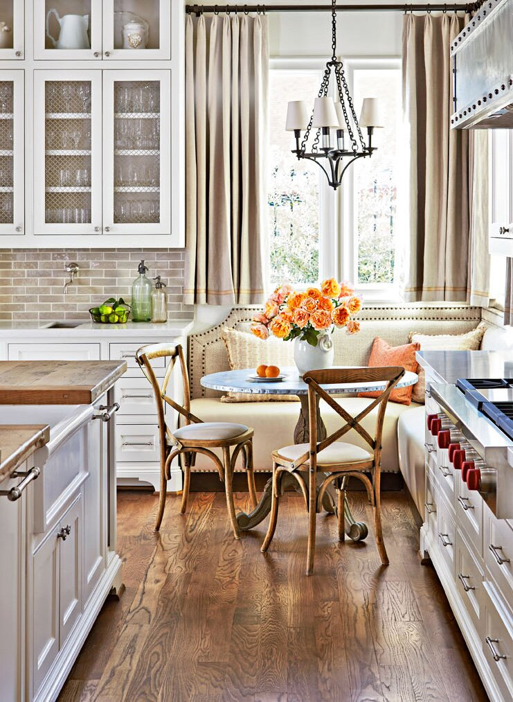 7 Ideas for Kitchen Banquettes | Midwest Living