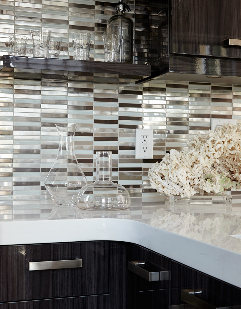 Bright backsplash