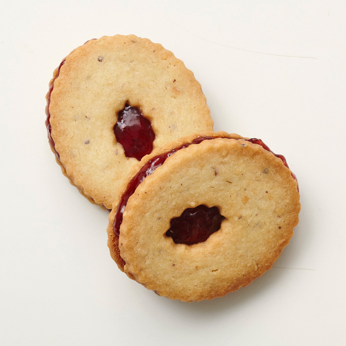Shortbread with nuts and jam