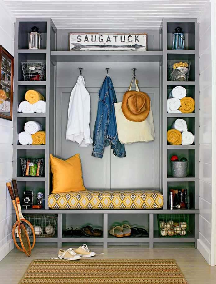 Mudroom entry organization