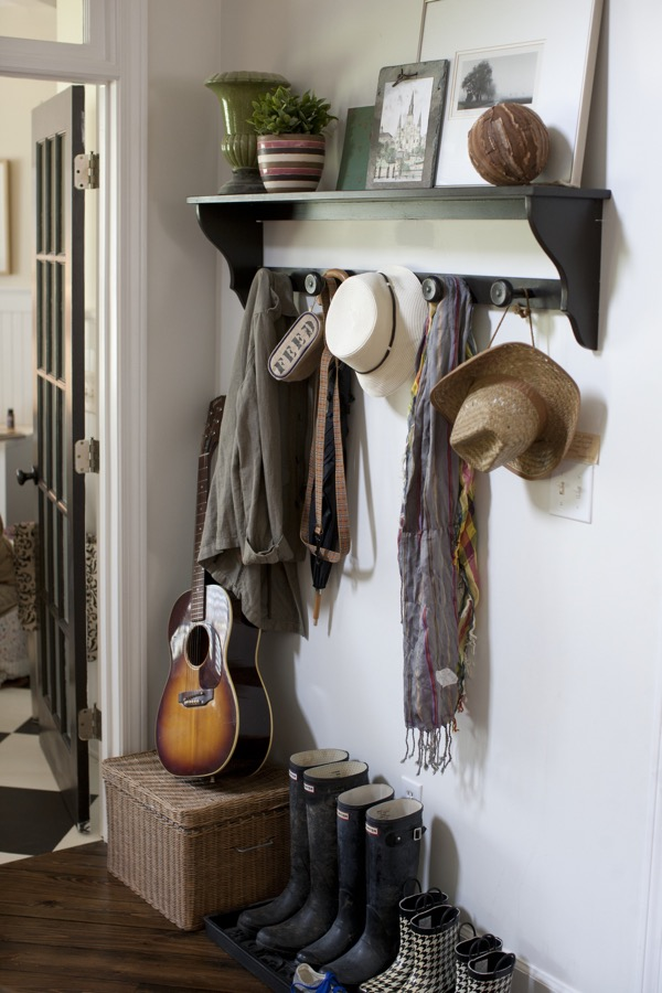 An entry hallway mudroom