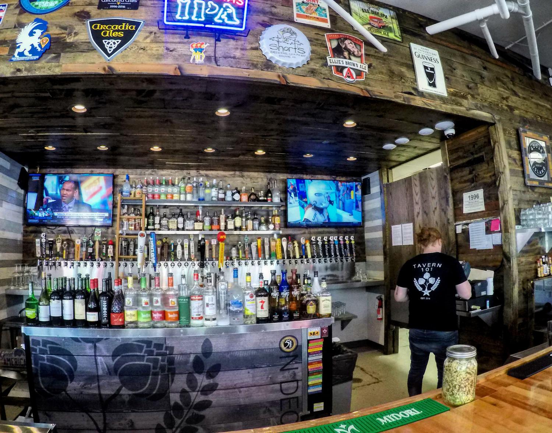Tavern 101 in Bay City
