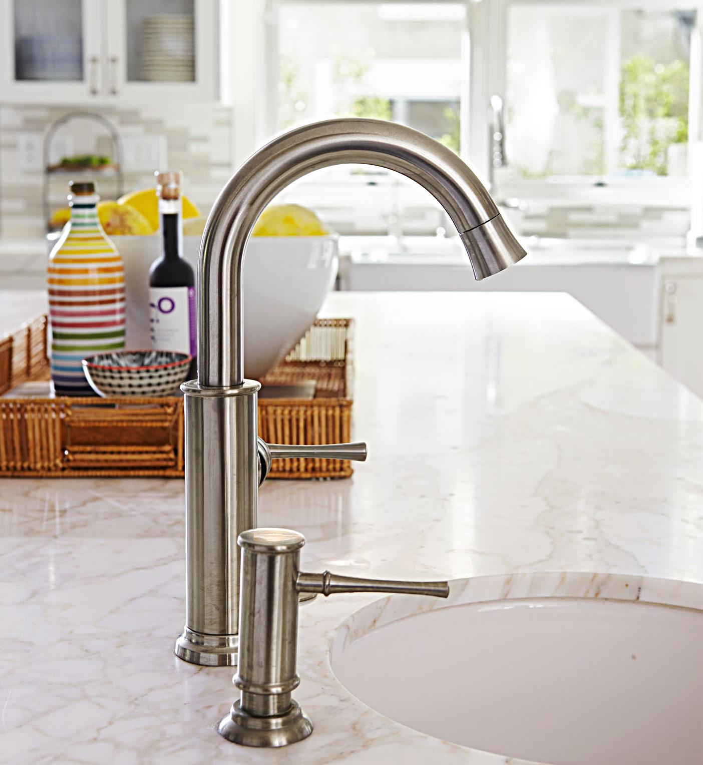Kitchen sink cleaning