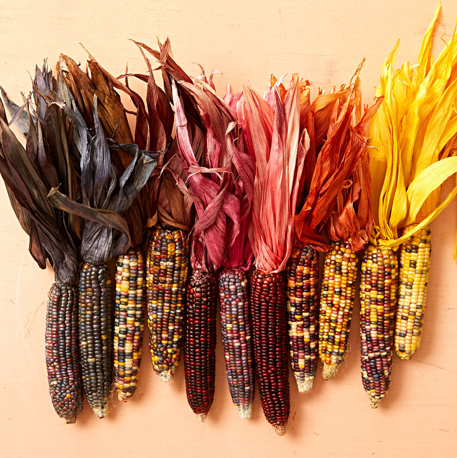 Dyed corn husks