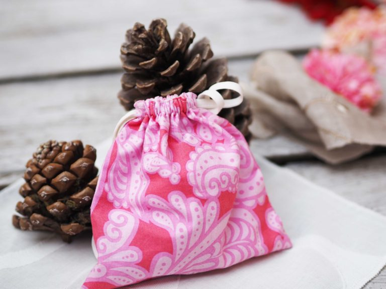 Cloth bag wrapping for gifts