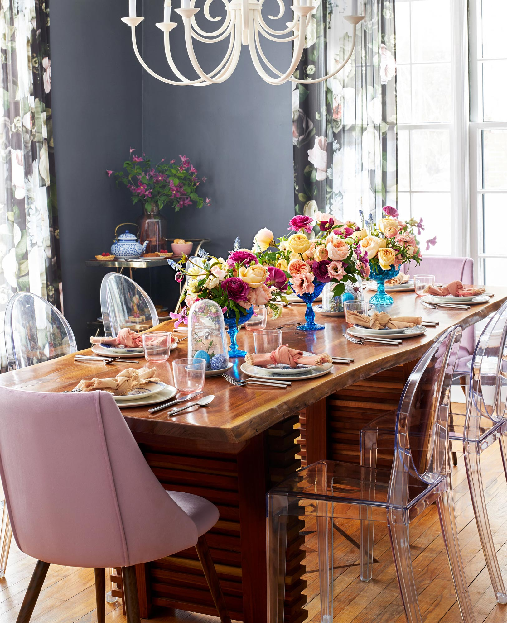 A room in bloom for Easter