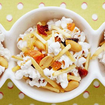 Cranberry-Popcorn Snack Mix