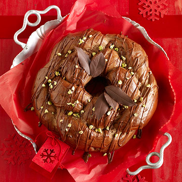 Chocolate Pistachio Wreath Bread