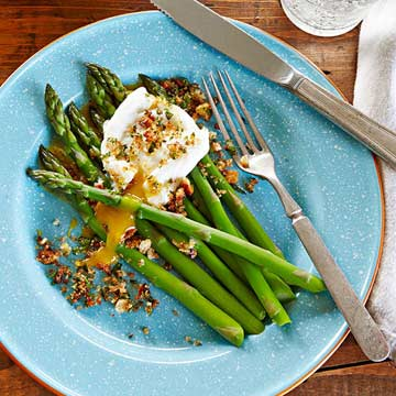 Asparagus with Poached Egg and Gremolata Breacrumbs