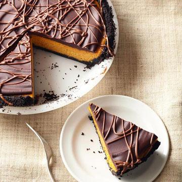 Chocolate-Glazed Pumpkin Pie Cheesecake