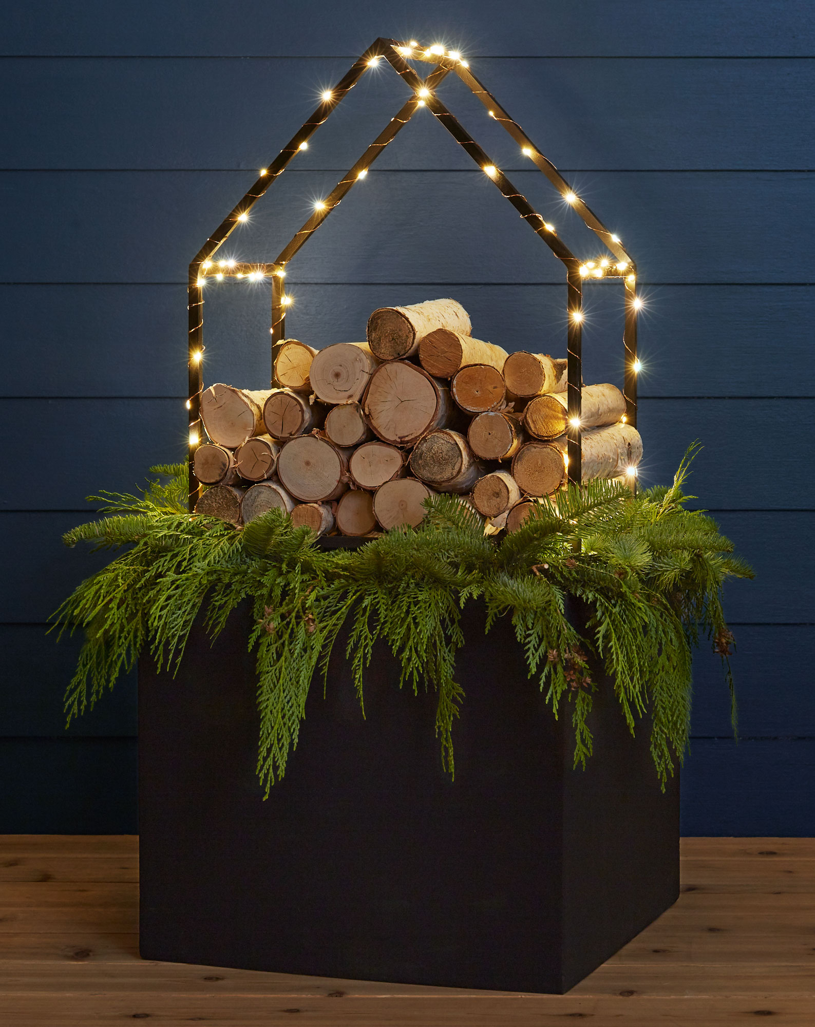 Log Rhythm winter planter