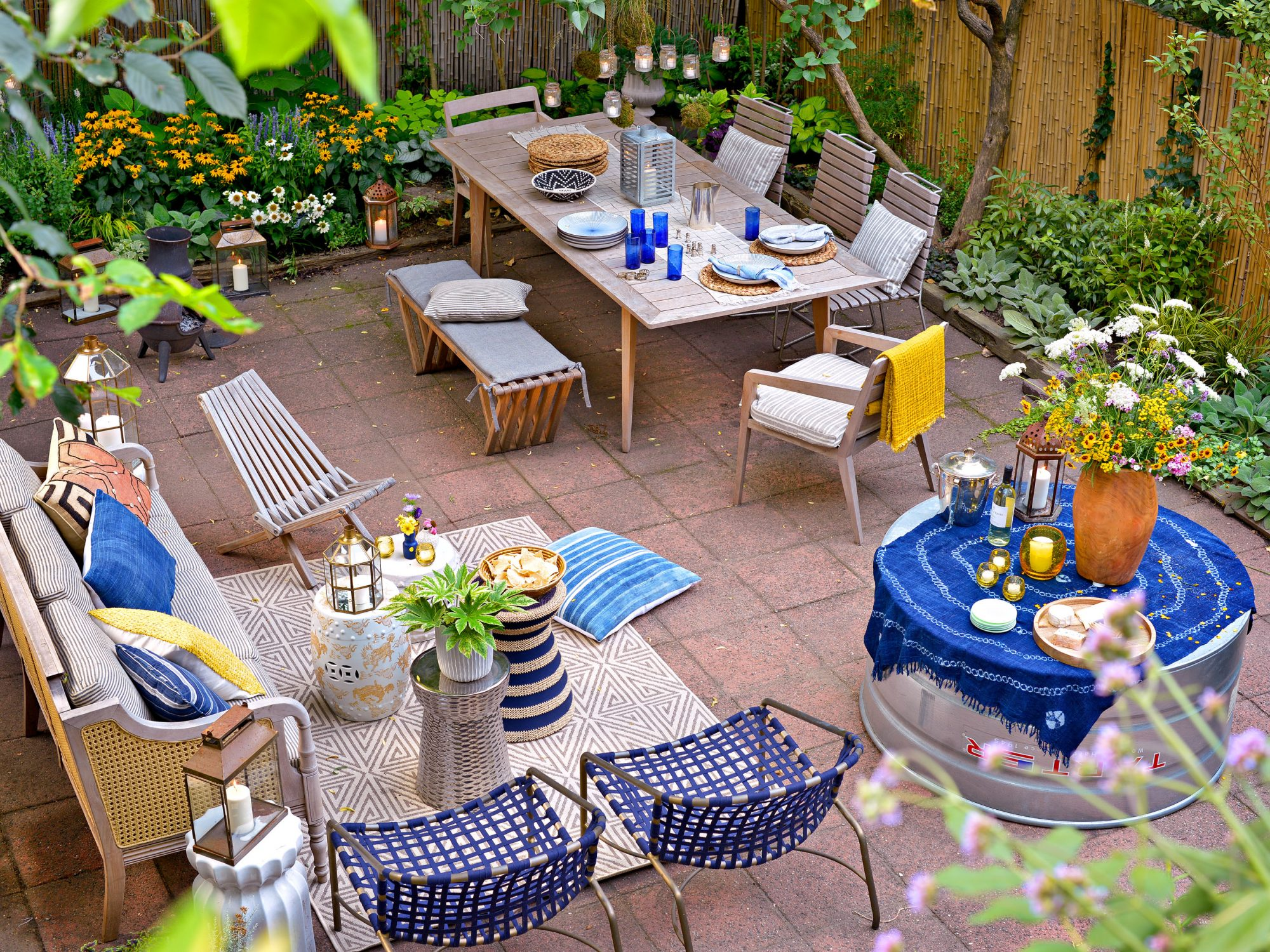 Patio backyard retreat