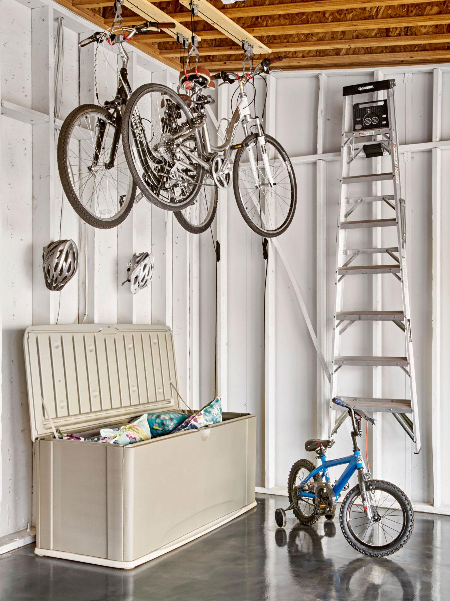 Bike suspension in garage