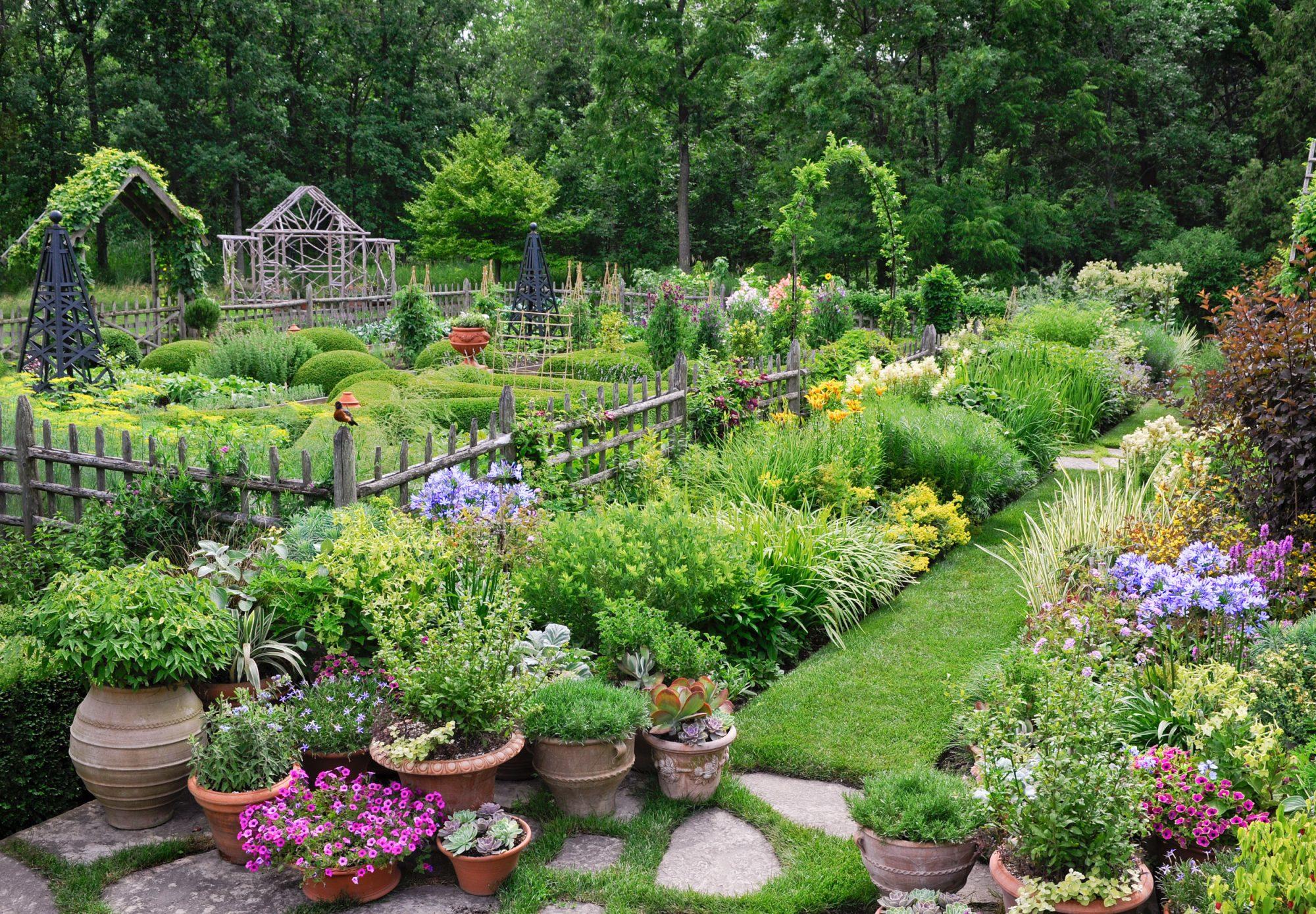Mariani Garden, Illinois