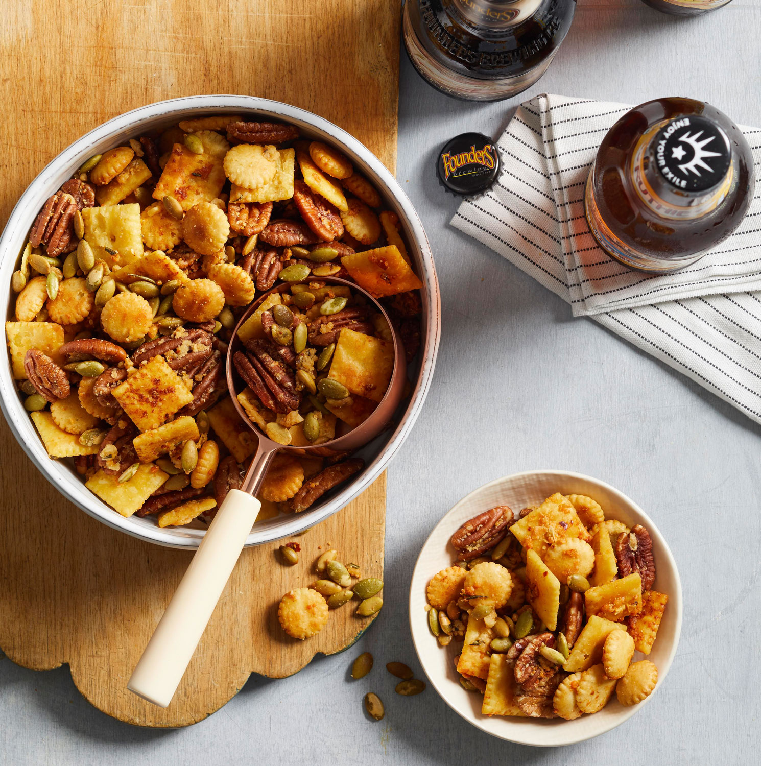 Cheesy Rosemary and Pecan Snack Mix
