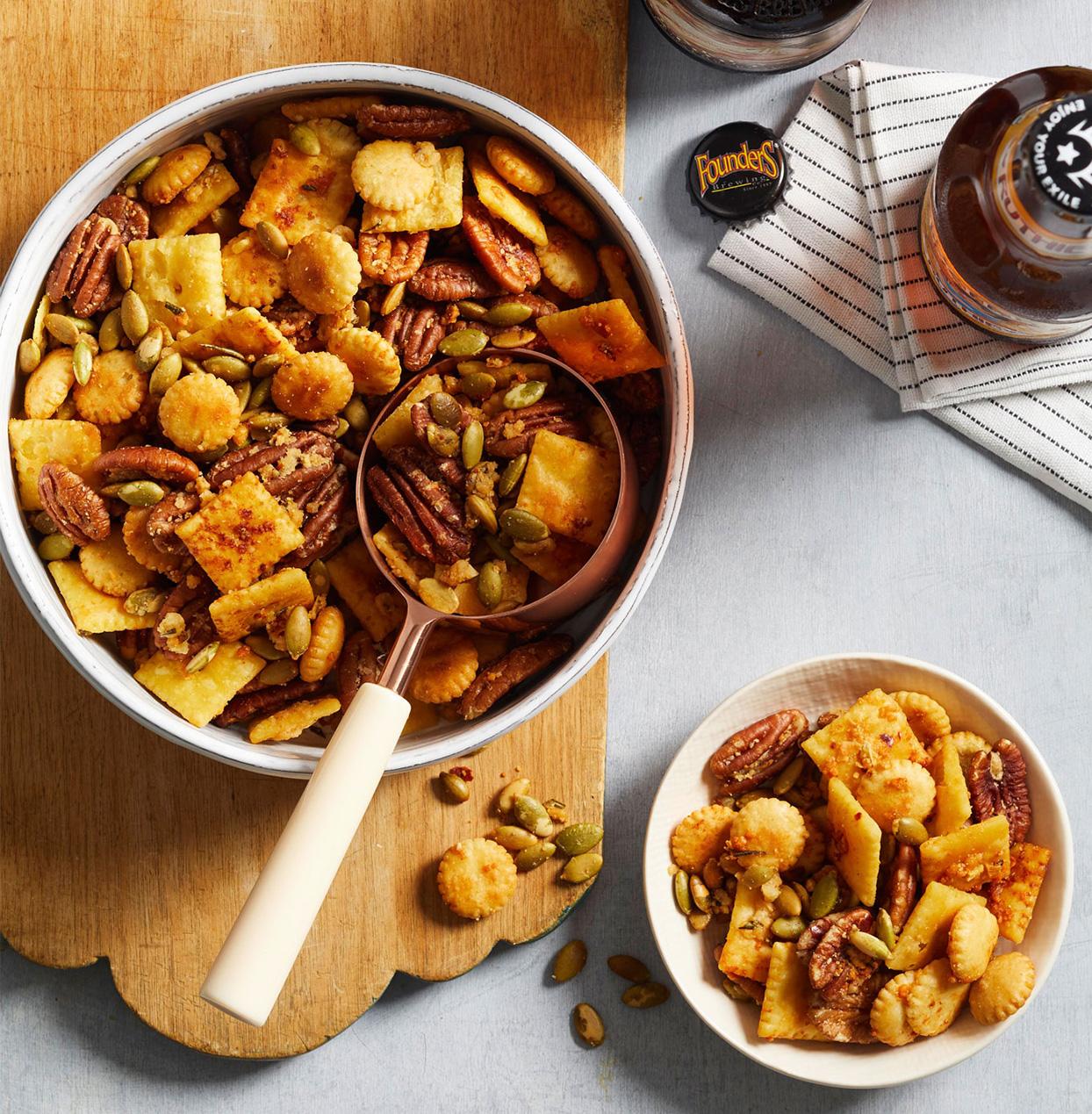 Cheesy Rosemary and Pecan Snack Mix
