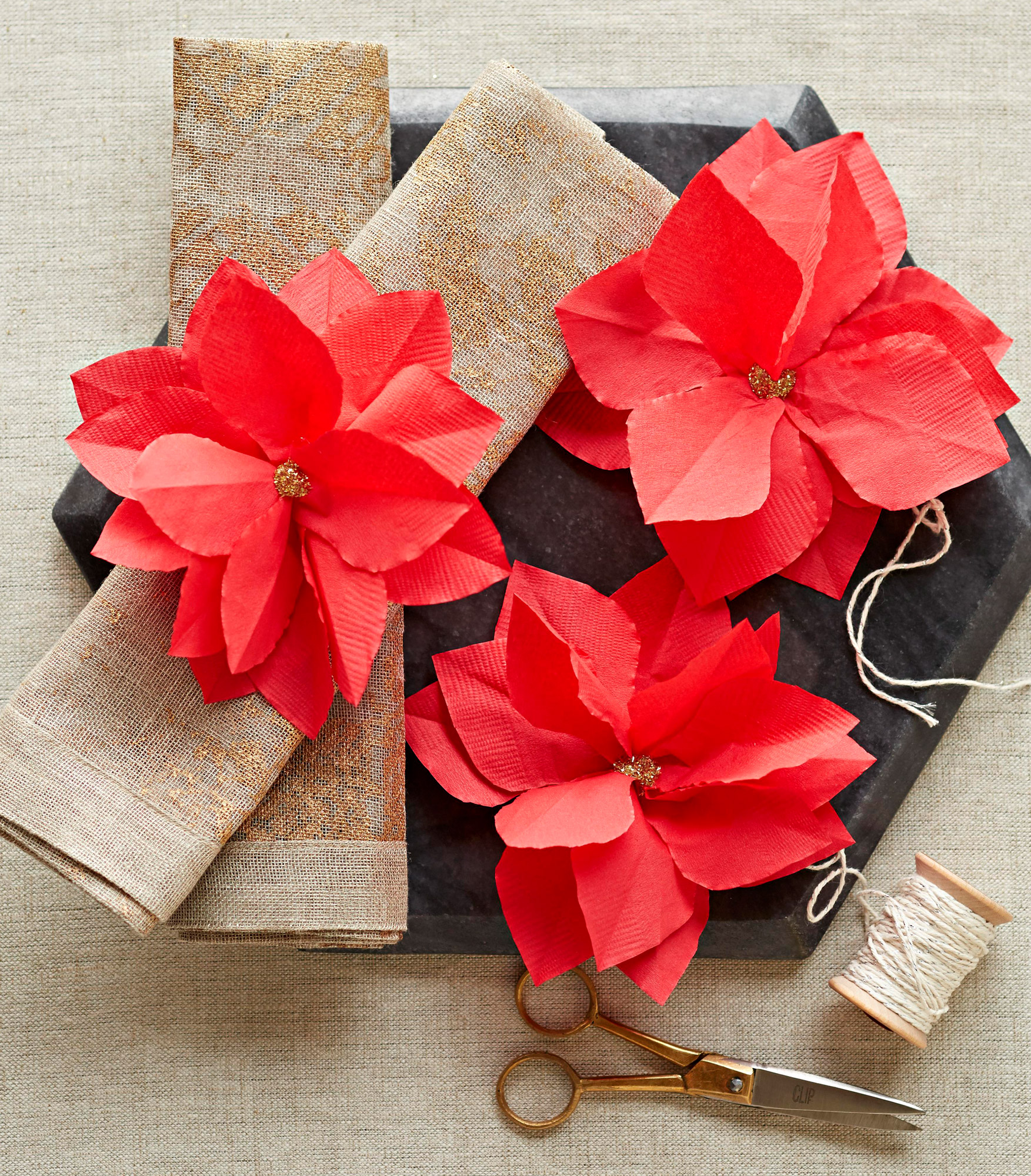 40 Easy Christmas Crafts