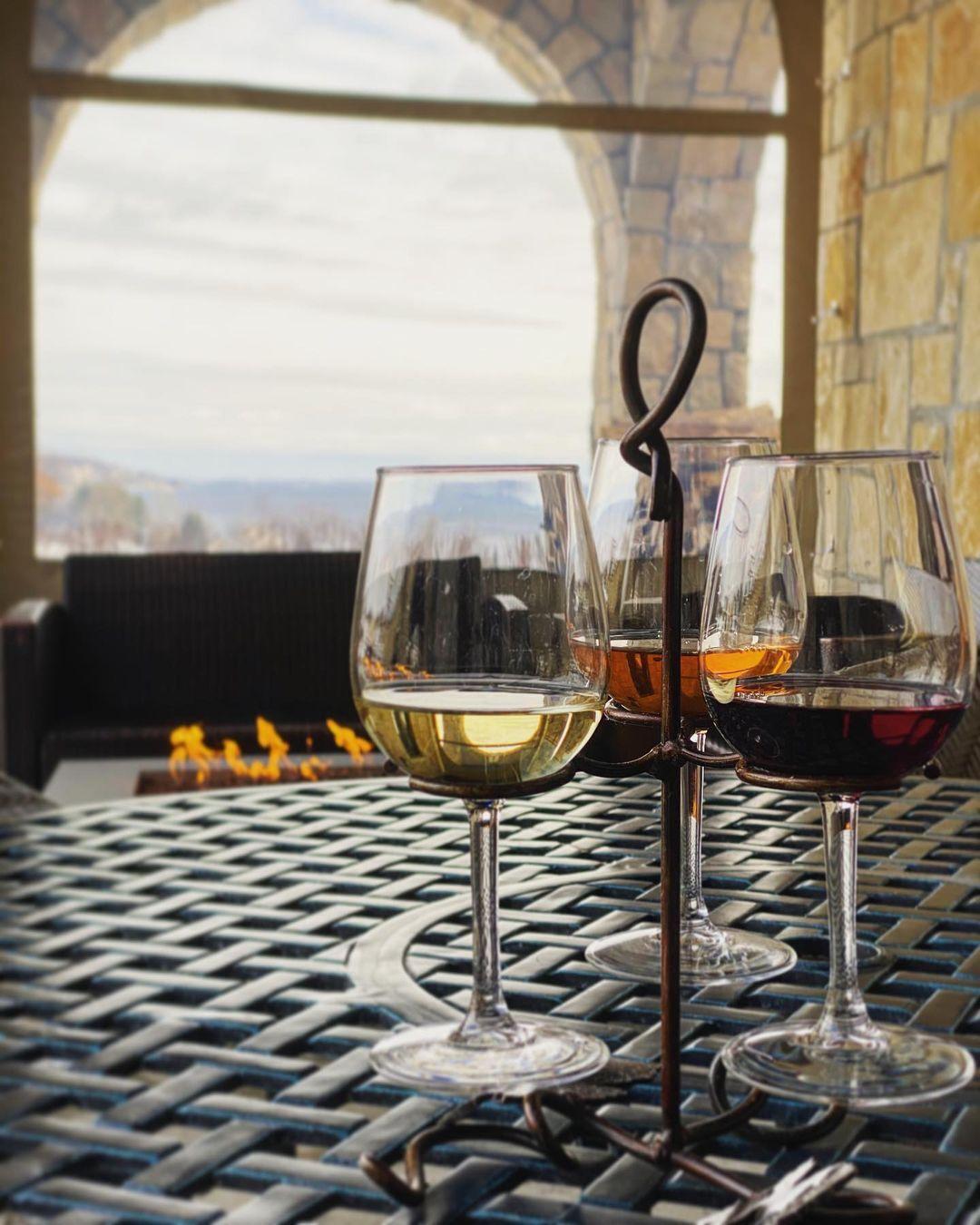 Mari Vineyards