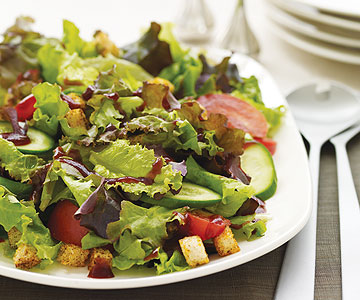 Green Salad with Cranberry Vinaigrette and Croutons