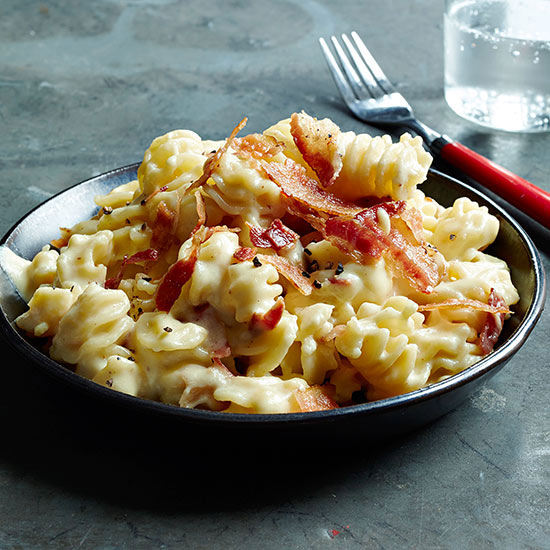 Slow Cooker Mac and Cheese with Bacon