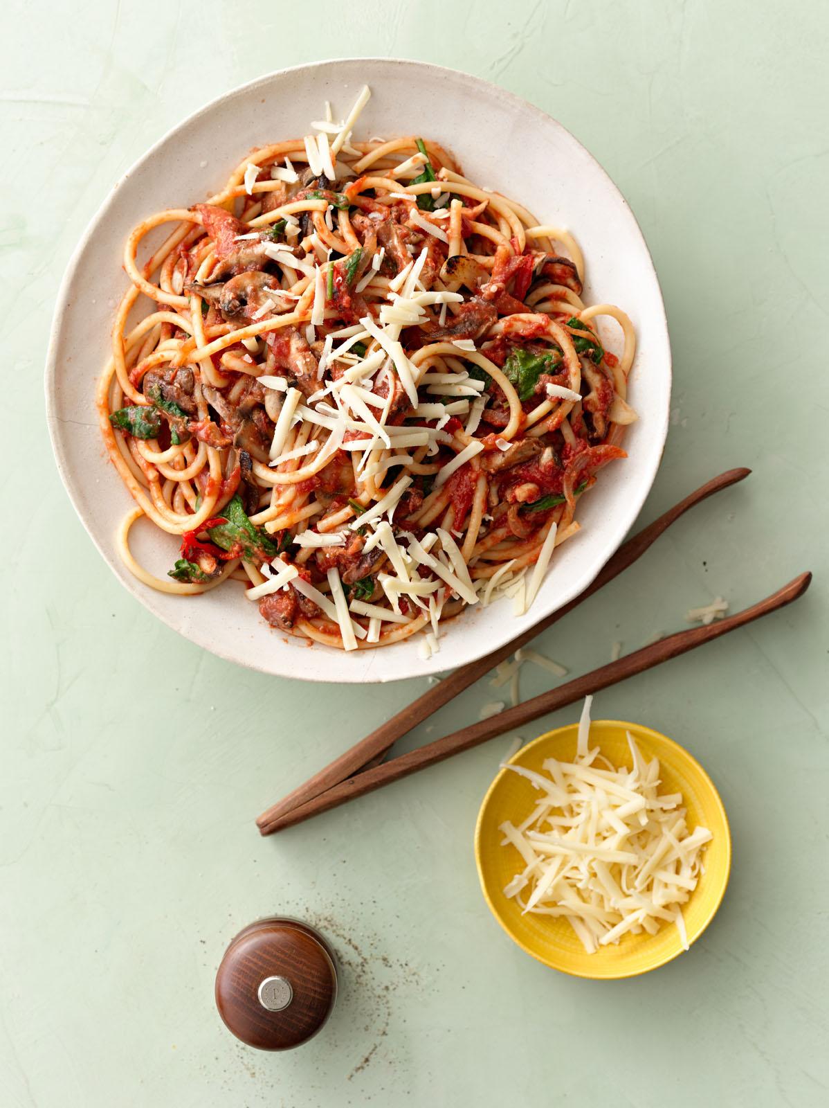 Bucatini-Spinach-Mushrooms-Fontina.jpg